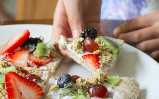 Fruit-Pizza-Summer-Snack-Riverside-Medical-Clinic